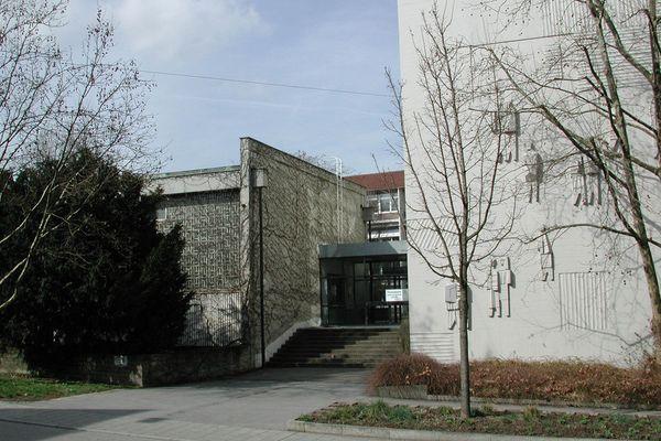 Neues Gymnasium Feuerbach